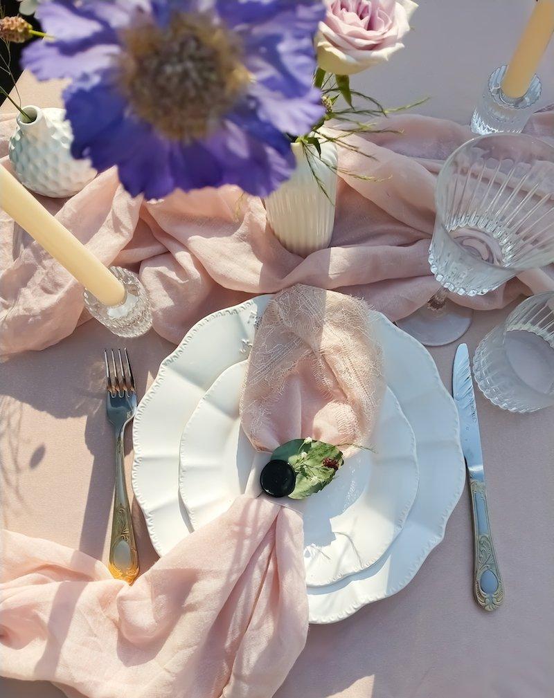 Scénographie-ambiance-légère-douce-fleurie